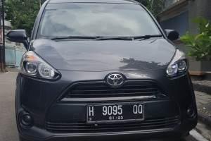Sewa Mobil Sienta Semarang